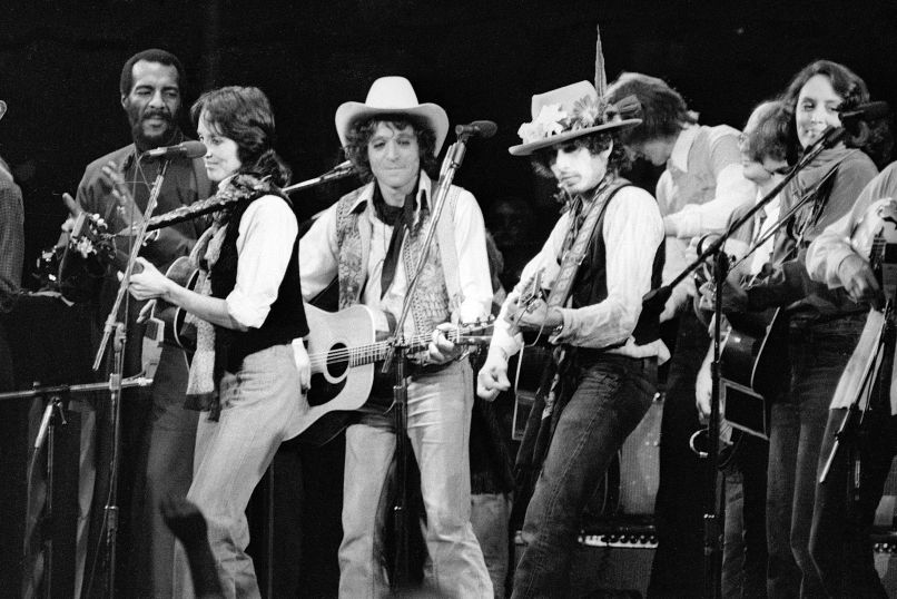 bob dylan rolling thunder review