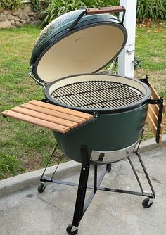 big green egg cooker reviews